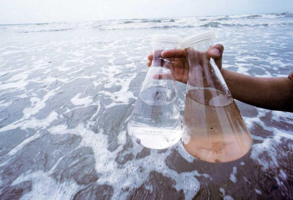 آلودگی اب اقیانوس ها