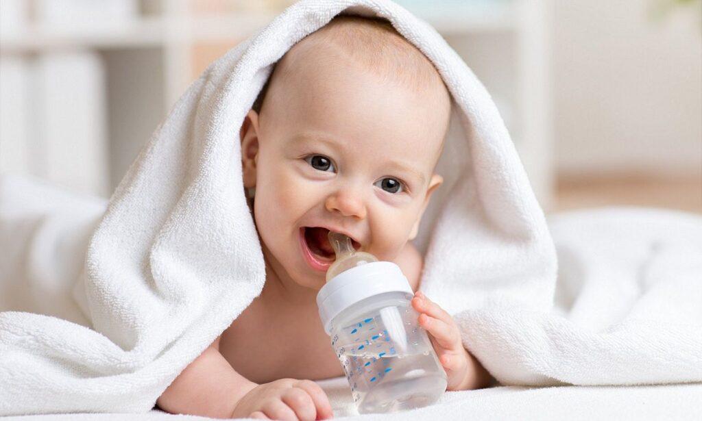 آب مصرفی نوزاد