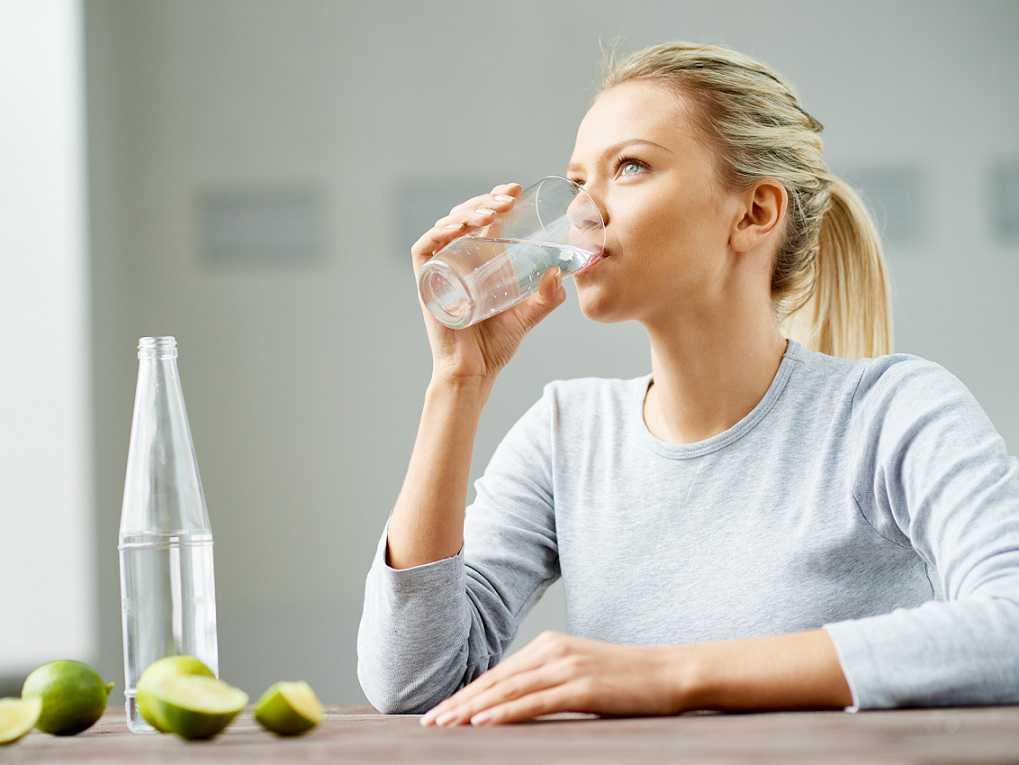 آیا آب آشامیدنی موجب سنگ کلیه می شود