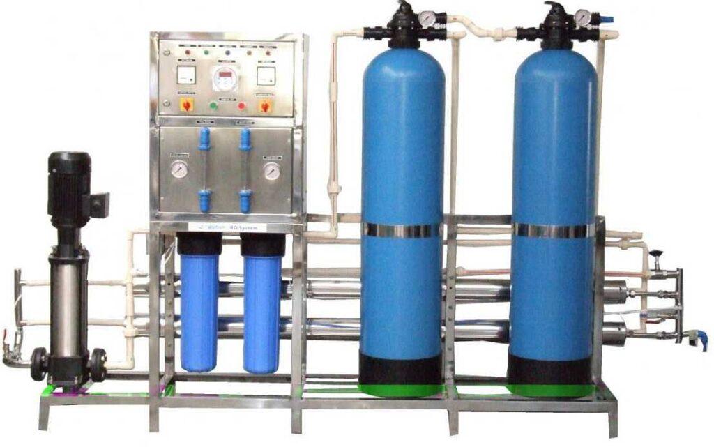 مشخصات و قیمت آب شیرین کن نیمه صنعتی 2000 لیتری