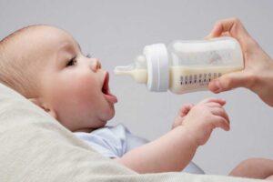 جوشاندن آب معدنی برای نوزاد
