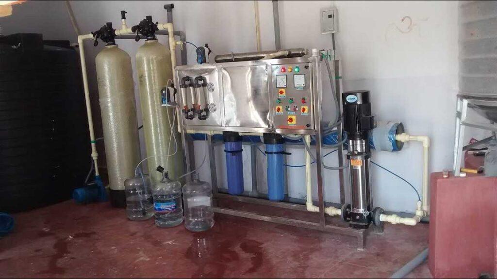 روش تصفیه در دستگاه آب شیرین کن نیمه صنعتی