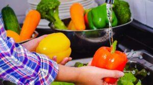 شستن میوه در زمان کرونا